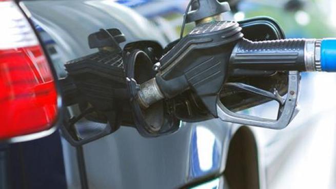 Filling Gas Tank_Sm_070218