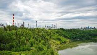 Strathcona Refinery near Edmonton, AB (Photo: Business Wire)